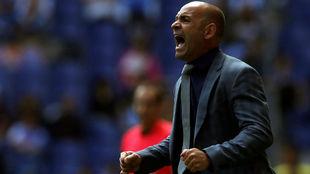 El entrenador de Las Palmas, Paco Jémez, durante el partido contra el...