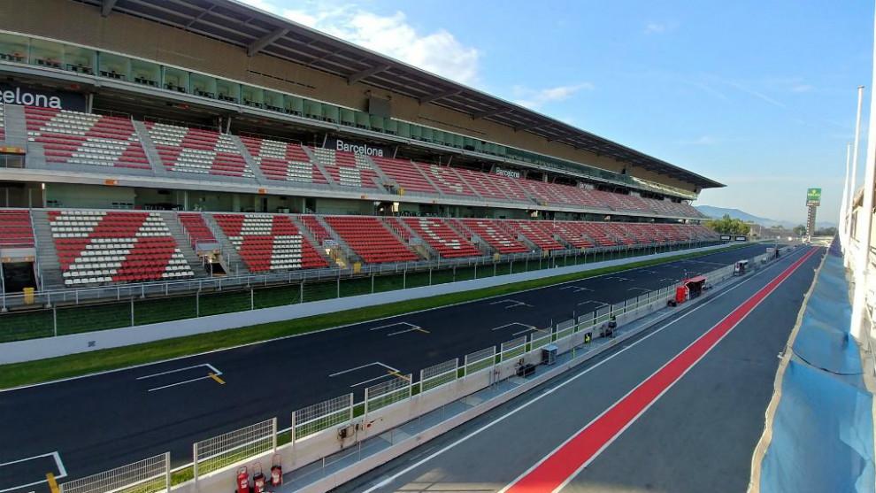 Tribuna principal del Circuit de Cataluña