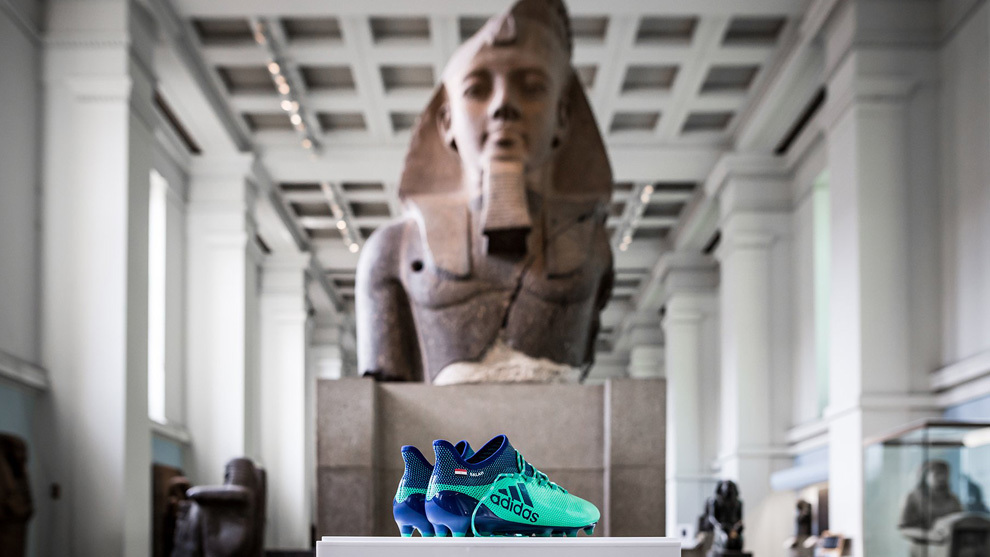 Exhibition Booth En Espanol : British museum put salah s boots in the egyptian exhibit