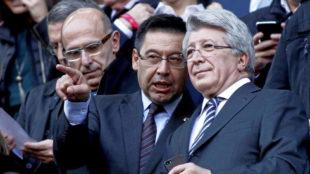 Bartomeu y Cerezo, en el palco del Camp Nou