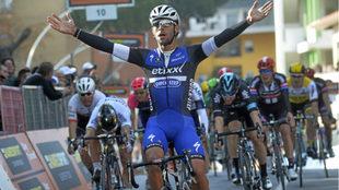 Fernando Gaviria celebra una victoria en imagen de archivo