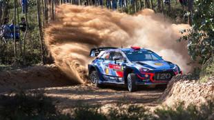 El piloto español marca el ritmo con su Hyundai