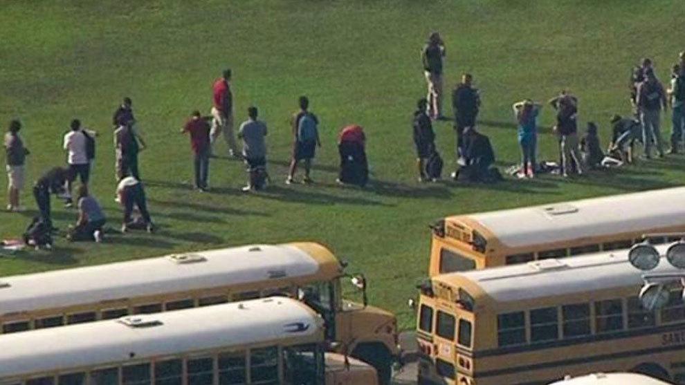Imagen de los estudiantes tras la tragedia de Santa Fe
