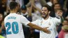 Asensio e Isco celebran un gol del Madrid