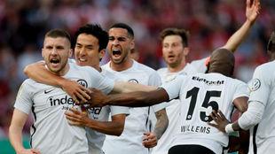 Rebic celebra su primer gol