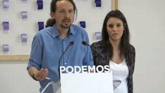 Pablo Iglesias e Irene Montero en rueda de prensa