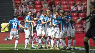 Los jugadores del Espanyol celebran el gol contra el Athletic