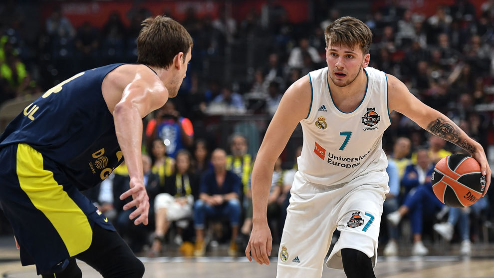 Doncic ante Vessely