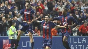 Gonzalo Melero celebra uno de sus goles ante el Granada hace tres...