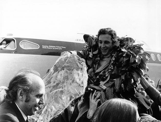 Paquito Fernández Ochoa a su llegada a España tras su Oro en la...