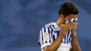 Willian José se lamenta en un partido de la Real Sociedad.