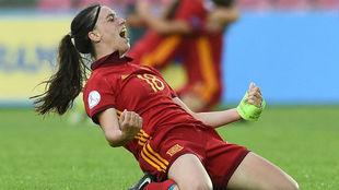 Eva Navarro celebra un gol en la final del Europeo Sub'17 ante...