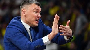 Sarunas Jasikevicius dirigiendo al Zalgiris Kaunas durante la Final...