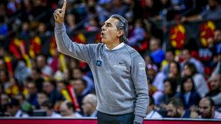 Sergio Scariolo dirigiendo a la selección española en las Ventanas...