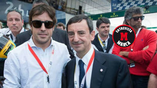 Pierre Fillon posa junto a Fernando Alonso.