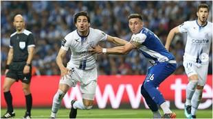 Briseño, con Héctor Herrera en un duelo entre el Feirense y el...