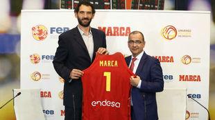 Jorge Garbajosa, presidente de la FEB, y Juan Ignacio Gallardo,...