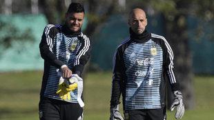 Romero y Caballero, durante un entrenamiento de Argentina