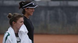 Halep y Muguruza, en las pistas de Roland Garros