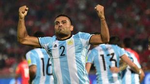 Mercado celebra un gol con Argentina.