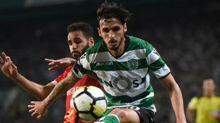 Bryan Ruiz en un partido con el Sporting de Portugal.