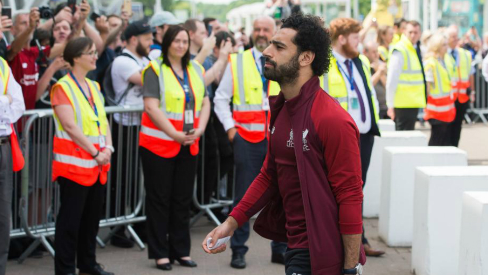 Mohamed Salah injured in Champions League final