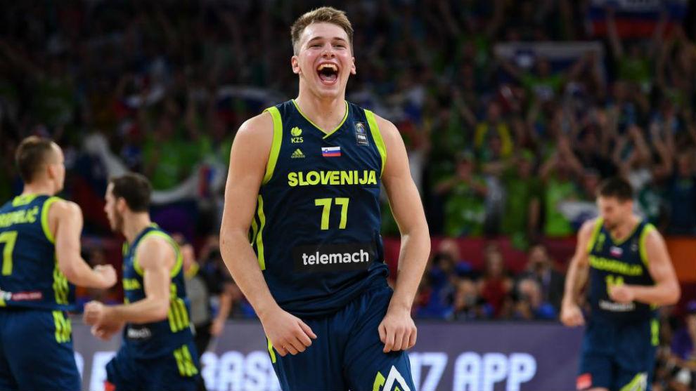 Luka Doncic en las semifinales del EuroBasket 2017 contra España