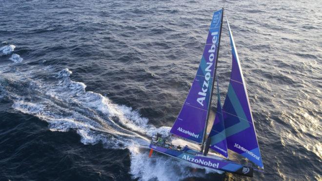 El AzkoNobel vuela en la novena etapa de la Volvo Ocean Race