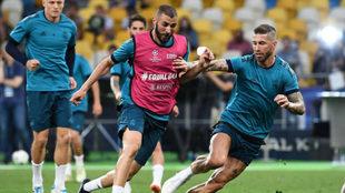 Benzema, en el entrenamiento en Kiev.