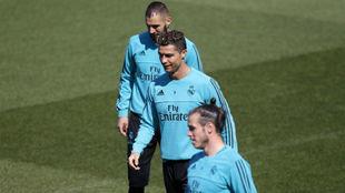 Benzema, Cristiano y Bale en un entrenamiento