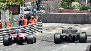 Checo Pérez, a los mandos de su Force India en Montecarlo