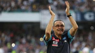Sarri se despide de los aficionados de San Paolo.