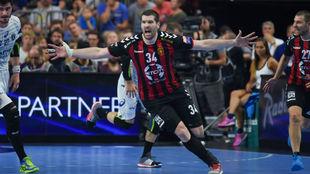 Borozan celebra la copnsecución de un gol.