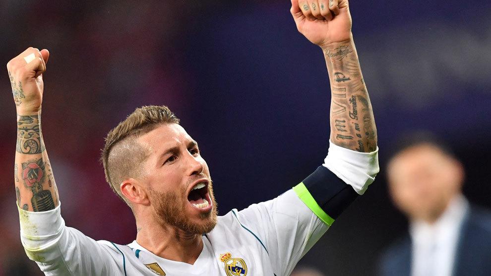 Sergio Ramos celebra el título del Real Madrid como campeón de...