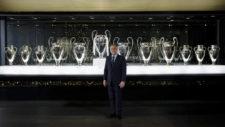 Florentino Pérez posa con las 12 copas de Europa ganadas hasta el...