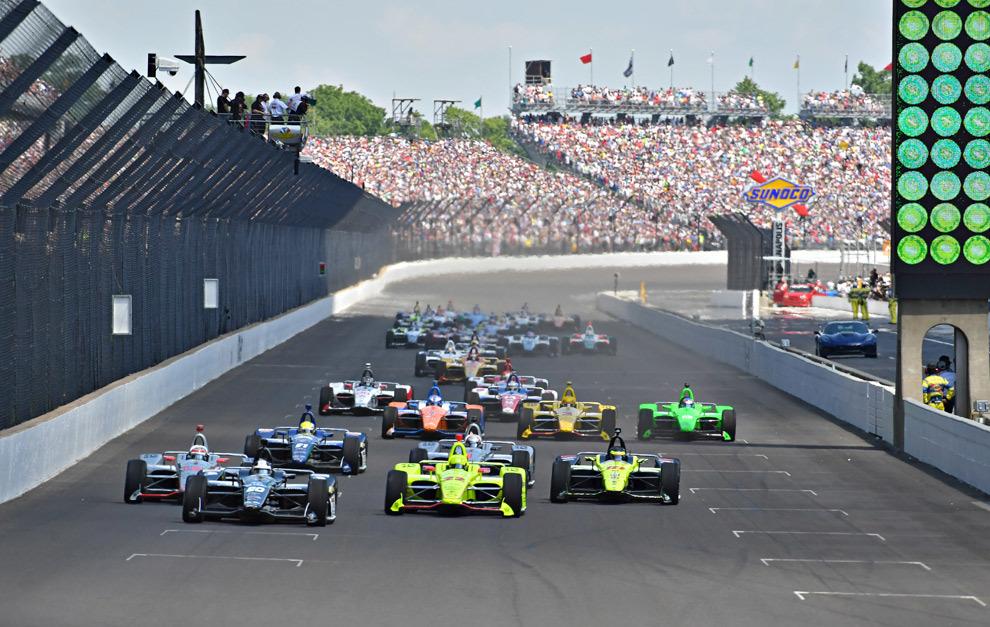 La salida de la edición 102 de las 500 Millas de Indianapolis.