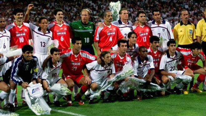 Las dos selecciones se tomaron juntos la foto oficial del partido