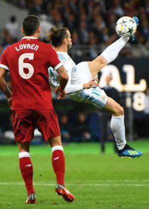 Bale congeló el tiempo en Kiev: descomunal chilena para el 2-1