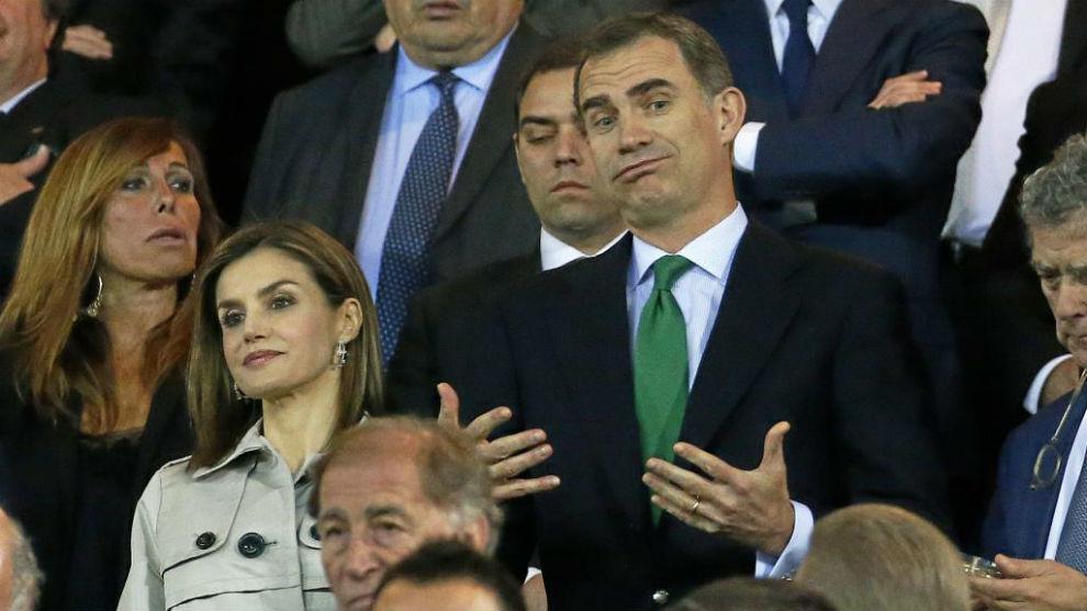 SS.MM. Los Reyes doña Letizia y don Felipe en la final de la Copa del...