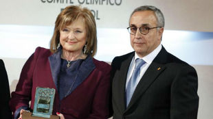 Mari Carmen izquierdo, directora de ADO, junto a Alejandro Blanco,...