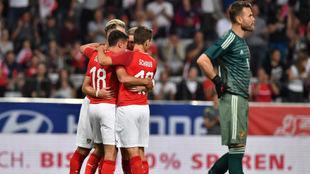 Austria celebra el primer gol ante Rusia