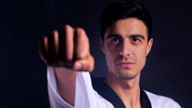 Joel González, preparado para dar el golpe definitivo a los amaños.