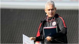 Reinaldo Rueda, en un entrenamiento de la selección chilena.