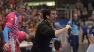 Magí Serra durante el pasado partido entre el Teucro y el Cangas