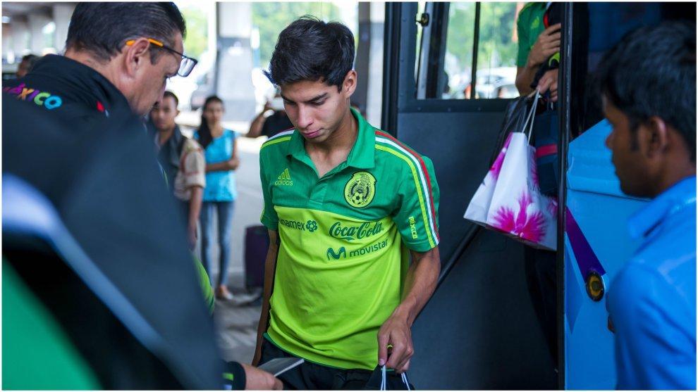 Diego Lainez, en una concentración de la selección mexicana.