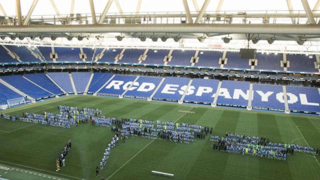 Vista aérea del estadio del Espanyol durante un acto.