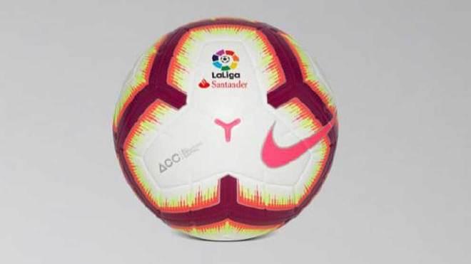 59f6c33db LaLiga ya tiene balón para la temporada 2018-19 | Marca.com