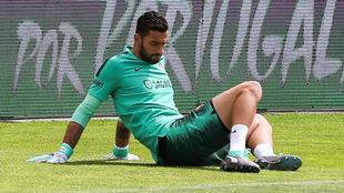 Rui Patricio, en un entrenamiento con la selección portuguesa.