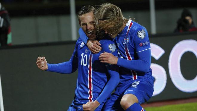 Anotación de Islandia en el último partido eliminatorio ante Kosovo.