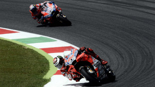 Doviozo, persiguiendo a su compañero en Ducati, Jorge Lorenzo,...